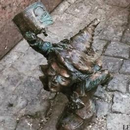 Dwarf applying for a job in Wroclaw