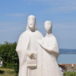 Statue of King András I and Queen Anasztázia