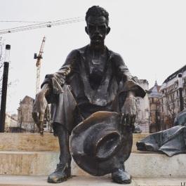 Statue of Attila József