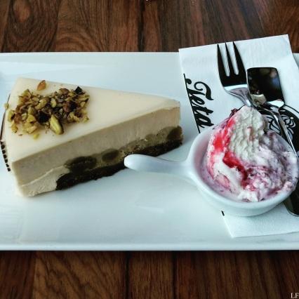 Pistacchio pie with ice cream - Maribor